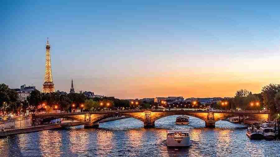 Crucero por el Sena, Torre Eiffel
